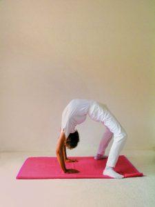 Yogastellung Rad Schritt 4